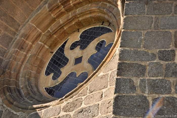 okno-baziliky.jpg